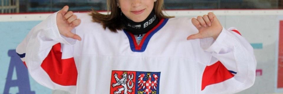 Česká hokejistka Adéla Škrdlová