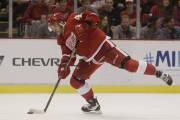 Český hokejový útočník Martin Frk v dresu Detroit Red Wings