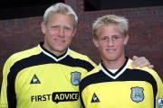 Otec  a syn Schmeichelové spolu v dresu Manchester City.