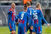 Hráči Viktorie Plzeň v čele s Michaelem Krmenčíkem slaví branku do sítě Partizanu