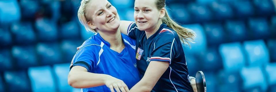 Česká stolní tenistka Hana Matelová hrají po boku Slovenky Barbory Balážové