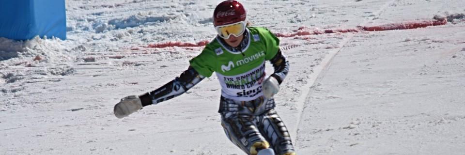 Ester Ledecká v cíli paralelního obřího slalomu na MS 2017