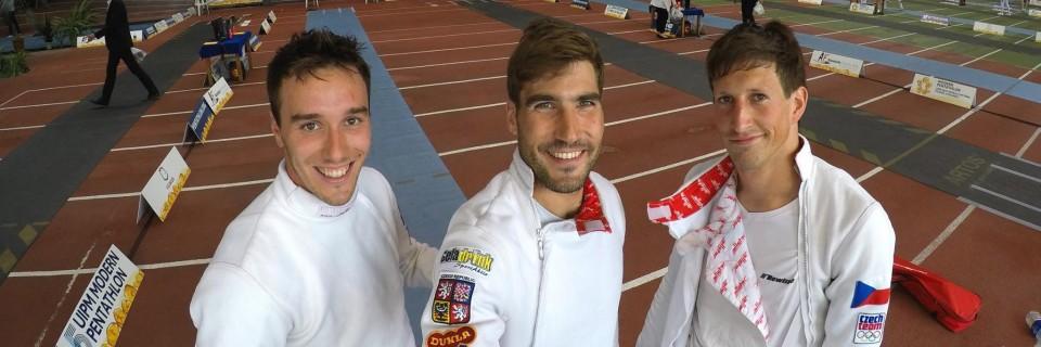 Jan Kuf, David Svoboda a Ondřej Polívka po šermu na finále Světového poháru 2017