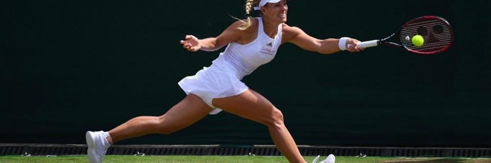 Německá tenistka Angelique Kerber při zápase Wimbledonu