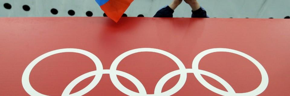 Ruská vlajka a olympijské kruhy