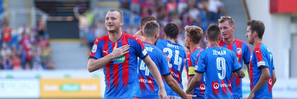 Michael Krmenčík slaví gól